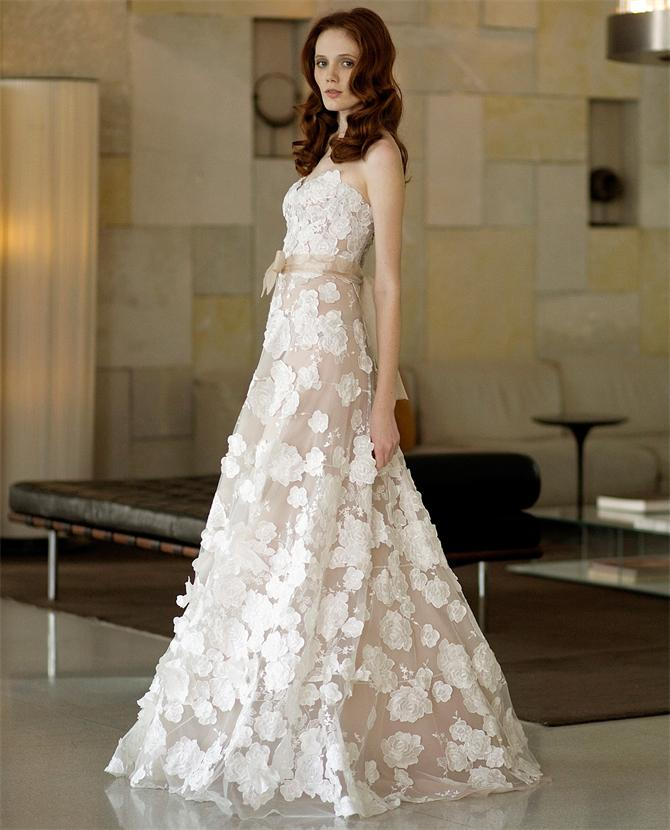 Tips to say yes to the sample sale wedding dress style for Cost of cleaning wedding dress