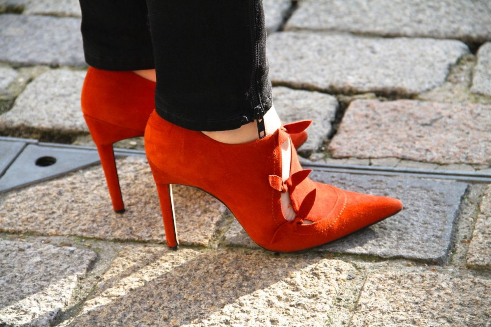 London street style fashion week red shoes red ankle boots