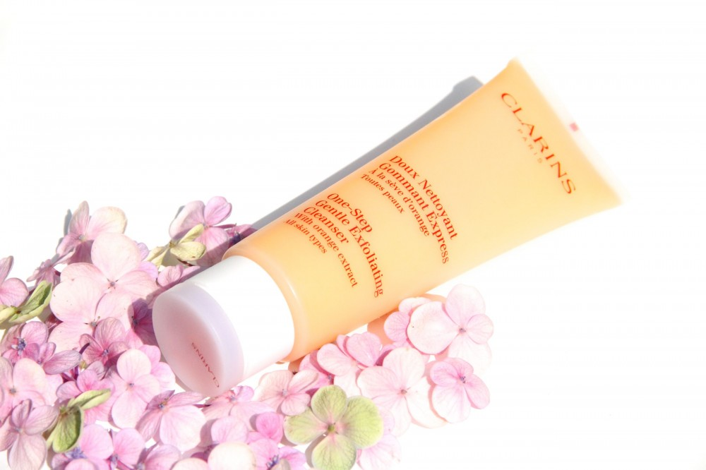 Style Barista Clarins Doux Nettoyant Gommant Express Clarins One-Step Gentle Exfoliating Cleanser