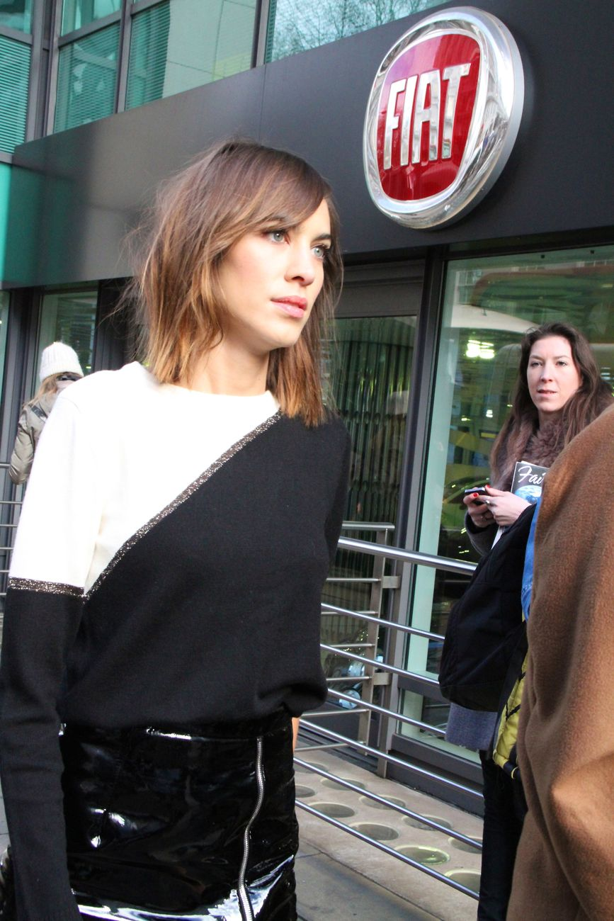 Alexa Chung London Fashion Week Street Style Style Barista