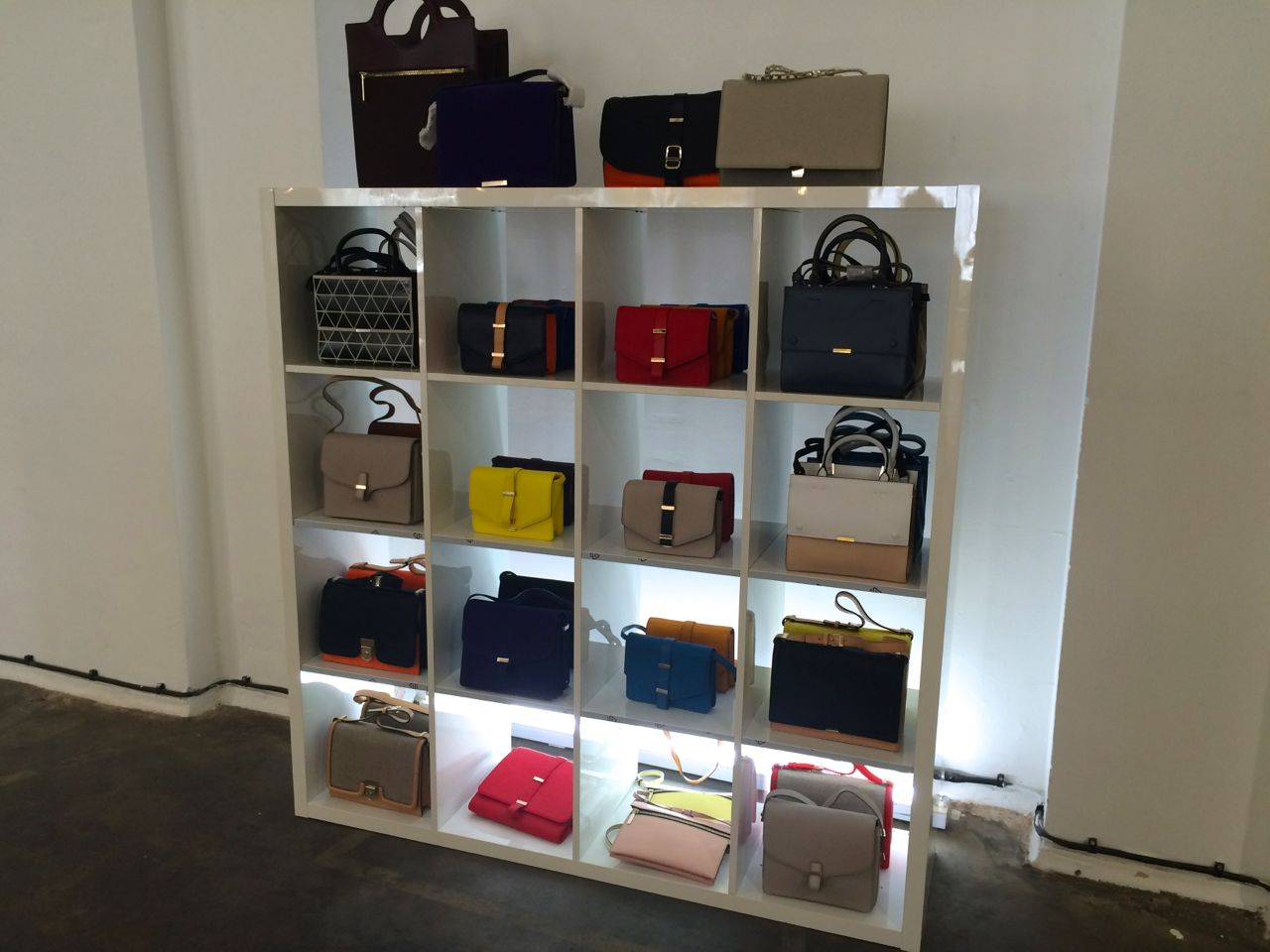 victoria-beckham-sample-sale-june-2015-bags-style-barista