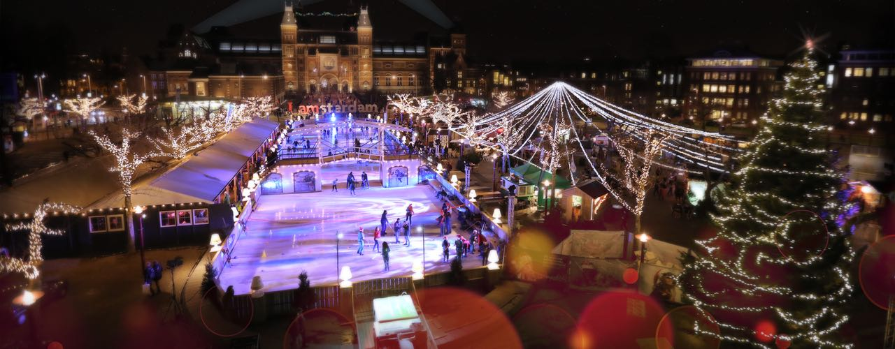 christmas-village-on-ice-things-to-do-in-amsterdam-what-to-do-in-amsterdam-1